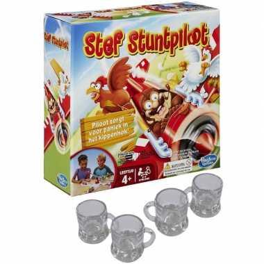 Stef stuntpiloot drankspel/drinkspel met 4 shotglazen