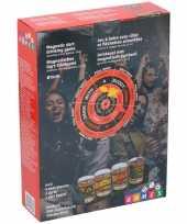 Drankspel magnetisch dartbord met 4 shotglazen 25ml