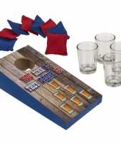 Drankspel pittenzak gooien shotspel met 4 shotglaasjes